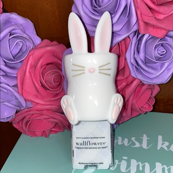 BUNNY Wallflowers Fragrance Plug